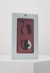 CHIARA FERRAGNI - FLIRTING GLITTER COVER IPHONE - Handytasche - pink - 5