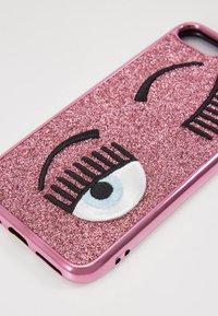 CHIARA FERRAGNI - FLIRTING GLITTER COVER IPHONE - Handytasche - pink - 2