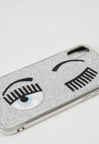 CHIARA FERRAGNI - FLIRTING GLITTER COVER IPHONE - Obal na telefon - silver - 2