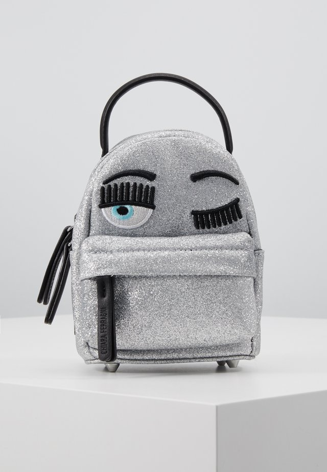 FLIRTING GLITTER MINI BACK PACK - Mochila - silver