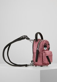 CHIARA FERRAGNI - FLIRTING GLITTER MINI BACK PACK - Batoh - pink - 3