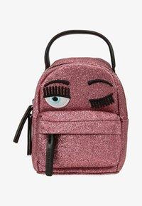 CHIARA FERRAGNI - FLIRTING GLITTER MINI BACK PACK - Batoh - pink - 5
