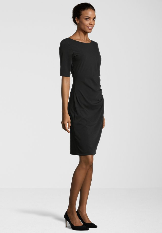 CILANA - Shift dress - schwarz
