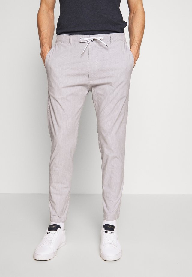 CIWEFT TROUSERS - Tygbyxor - grey
