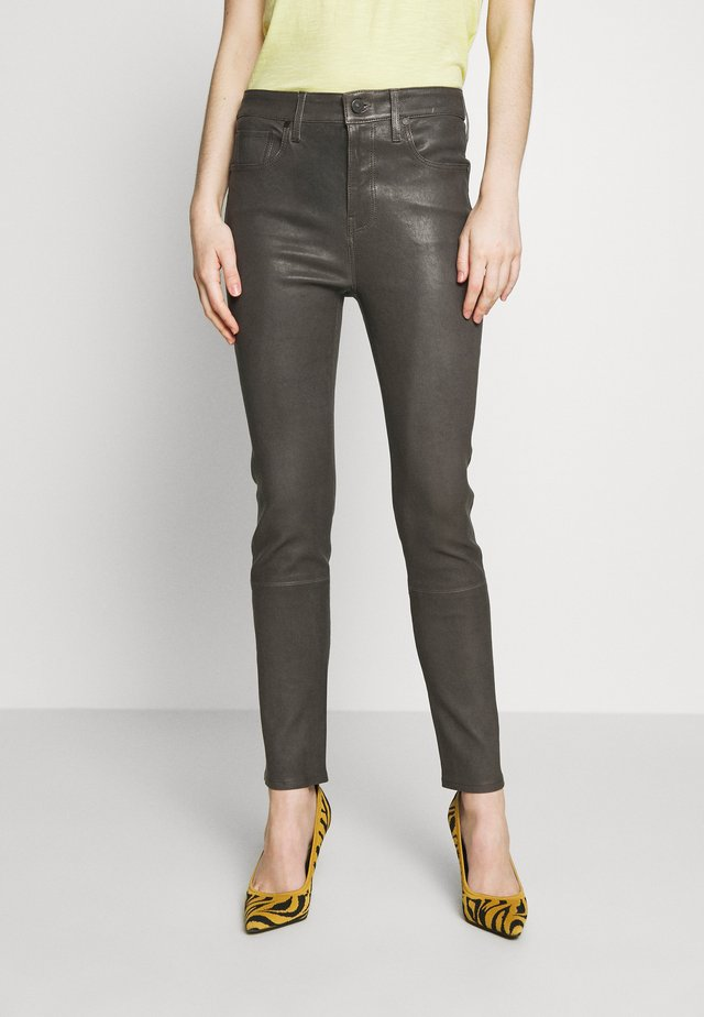 HARLOW ANKLE - Leather trousers - pewter