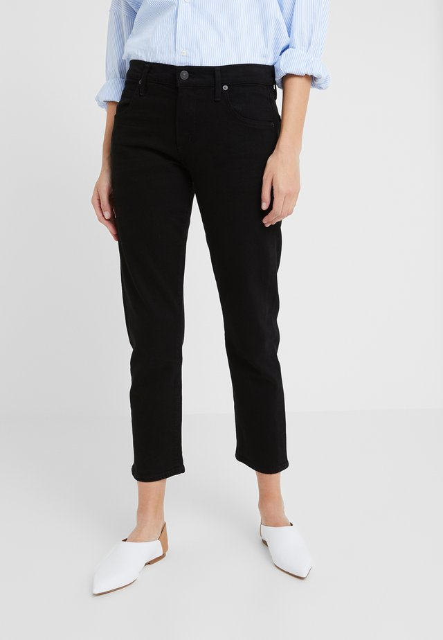 ELSA MID RISE CROP - Slim fit jeans - sueded black