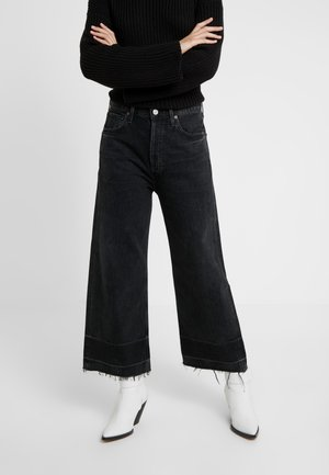 SACHA HIGH RISE WIDE - Bootcut jeans - too late