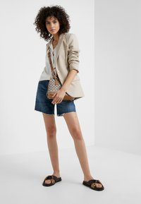 Citizens of Humanity - BAILEY  - Shorts di jeans - blue rose - 1