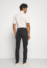 Citizens of Humanity - THE NOAH - Džíny Slim Fit - black beach - 2