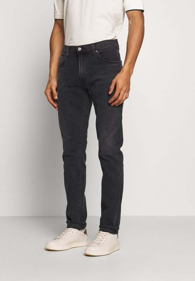 THE NOAH - Slim fit jeans - black beach
