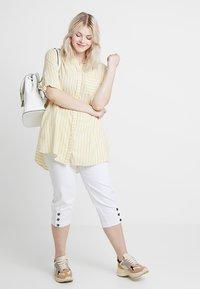 Ciso - CAPRI - Shorts - white - 1