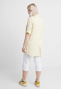 Ciso - CAPRI - Shorts - white - 2
