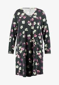 Ciso - FLORAL PRINT DRESS WITH SPORTS TRIM - Denní šaty - black - 4