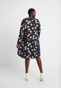 Ciso - FLORAL PRINT DRESS WITH SPORTS TRIM - Denní šaty - black - 3