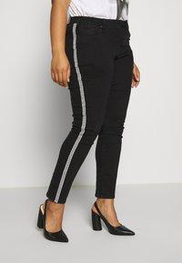 Ciso - 7/8 WITH SIDE-STRIPE - Jeans Skinny - black - 3