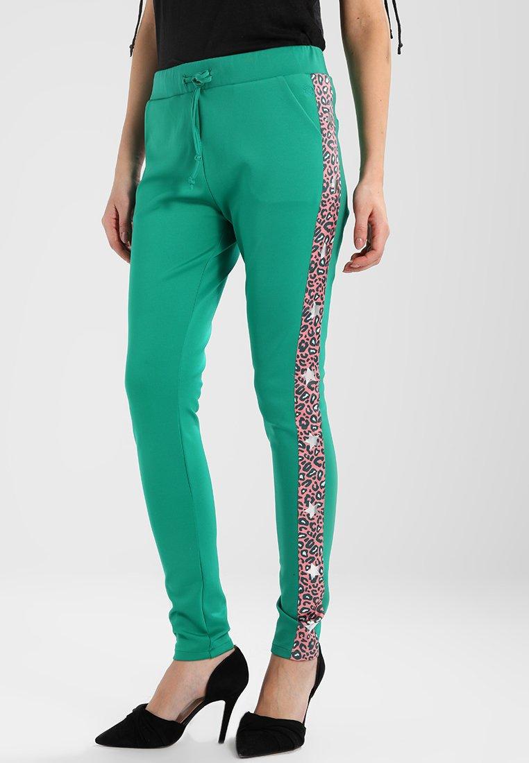 Circle of Trust - ROBYN JOGG - Pantalones deportivos - frog green