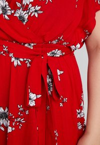 City Chic - LOVE FLORAL - Maxi šaty - red