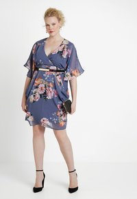 City Chic - DRESS WRAP FLORENCE - Denní šaty - light grey - 1