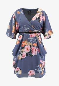 City Chic - DRESS WRAP FLORENCE - Denní šaty - light grey - 3