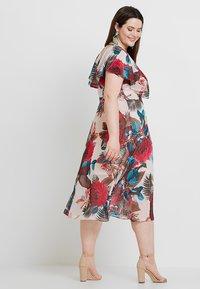 City Chic - DRESS EXOTIC PALM - Denní šaty - pink - 2
