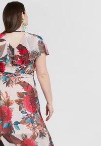 City Chic - DRESS EXOTIC PALM - Denní šaty - pink - 4
