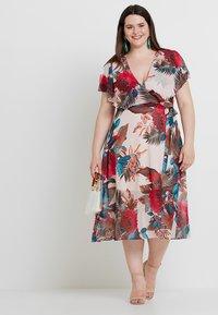 City Chic - DRESS EXOTIC PALM - Denní šaty - pink - 0