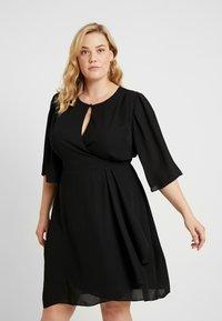 City Chic - EXCLUSIVE DRESS JOLIE WRAP - Denní šaty - black - 0