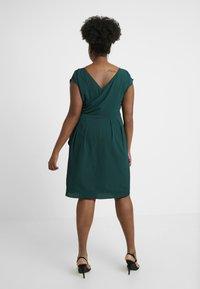 City Chic - EXCLUSIVE DRESS CLASSIC WRAP - Denní šaty - jade - 3