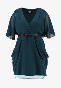 City Chic - BELTED WRAP DRESS - Denní šaty - jade - 5
