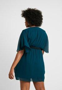 City Chic - BELTED WRAP DRESS - Denní šaty - jade - 3