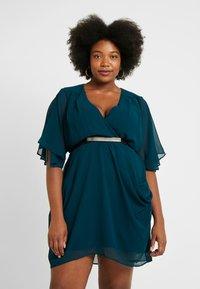 City Chic - BELTED WRAP DRESS - Denní šaty - jade - 0