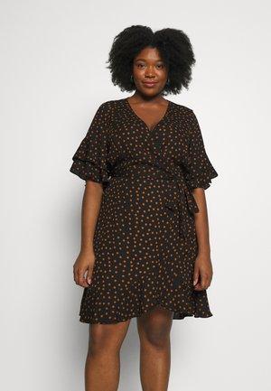 DRESS AMBER SPOT - Day dress - amber
