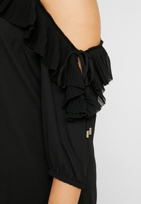 City Chic - EXCLUSIVE PLEATED FRILL - Blůza - black - 5