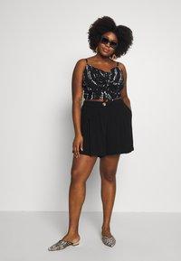 City Chic - SUMMER FUN - Shorts - black - 1