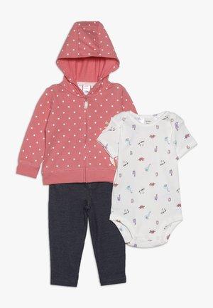 CARDIGAN BABY SET - Geboortegeschenk - pink