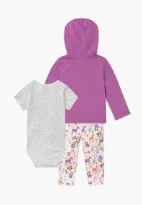 Carter's - UNICORN SET - Zip-up hoodie - purple - 1