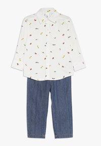 Carter's - TODDLER PLAYWEAR SET - Straight leg jeans - white - 0
