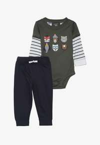Carter's - BODYSUIT PANT BABY SET - Pantalon classique - green - 3