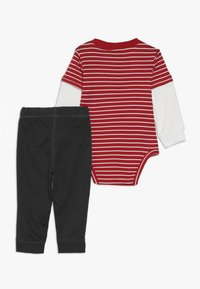 Carter's - BOY PANT BABY SET - Body - red - 1