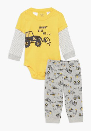 TRACTOR SET - Pantaloni - yellow/grey