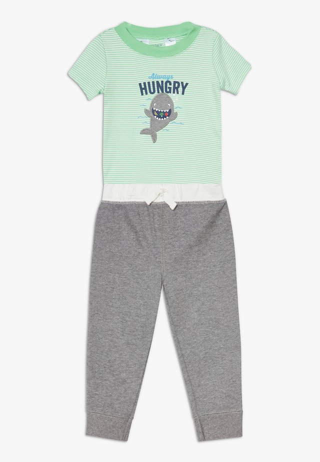 HUNGRY SET - Trousers - green