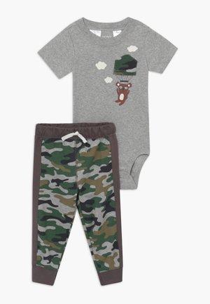 Kalhoty - mottled grey/khaki