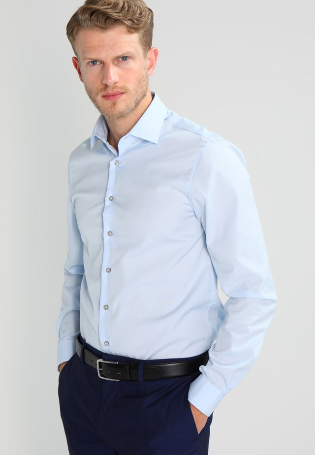 CANNES REGULAR FIT - Businesshemd - soft blue