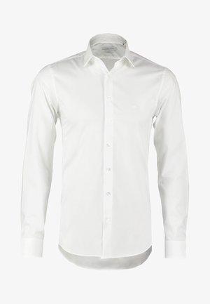 BARI SLIM FIT - Business skjorter - white