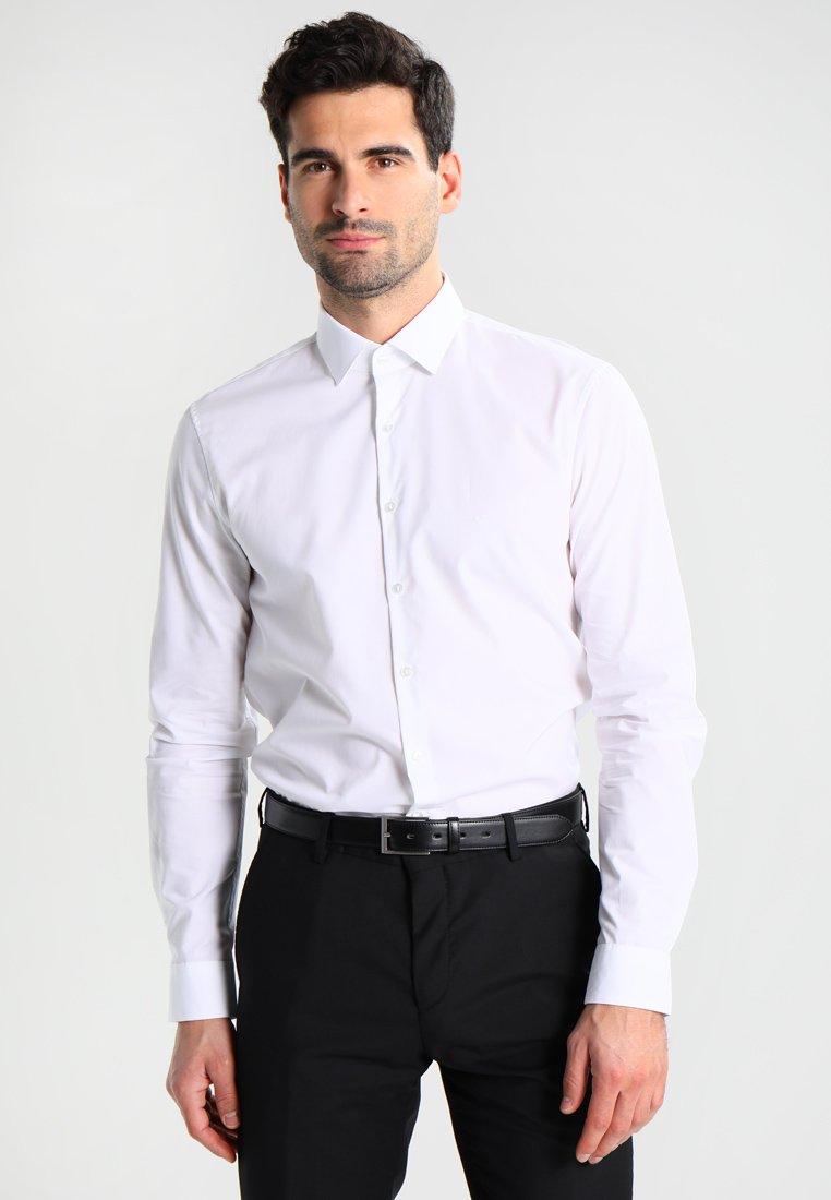 Calvin Klein Tailored - BARI SLIM FIT - Formální košile - white