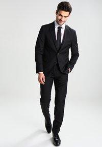 Calvin Klein Tailored - BARI SLIM FIT - Formální košile - white - 1