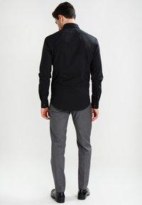 Calvin Klein Tailored - BARI SLIM FIT - Chemise classique - black - 2