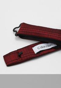 Calvin Klein - SIMPLE WINDOWPANE BOW TIE - Pajarita - red - 2