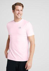 Calvin Klein Golf - NEWPORT TEE - Jednoduché triko - oxford pink marl - 0