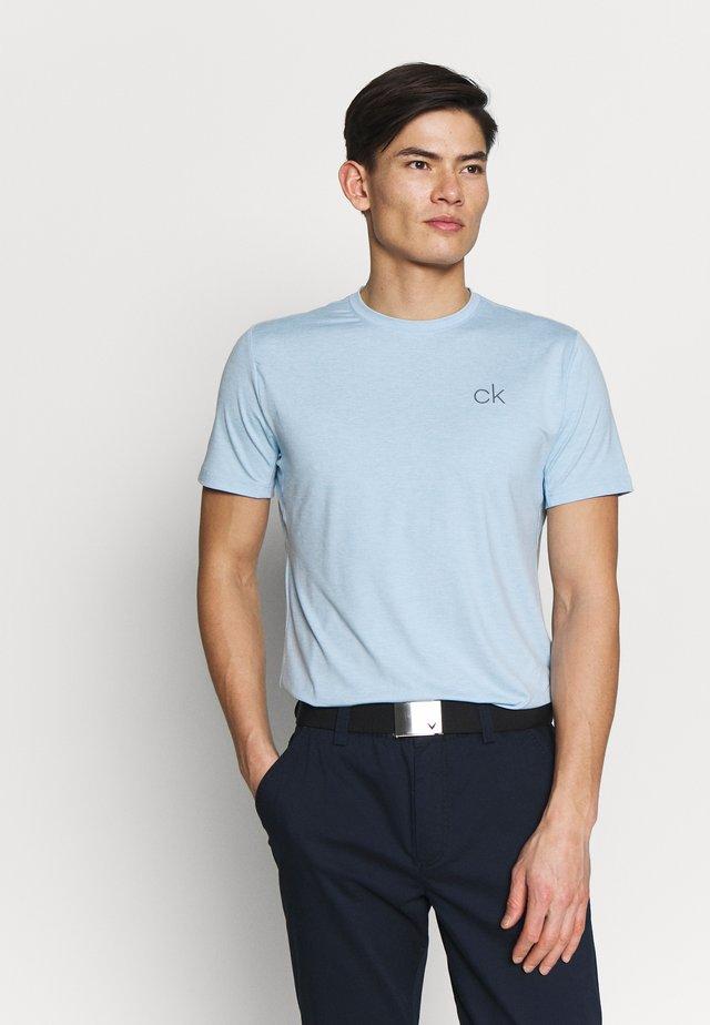 NEWPORT TEE - Jednoduché triko - dusty blue